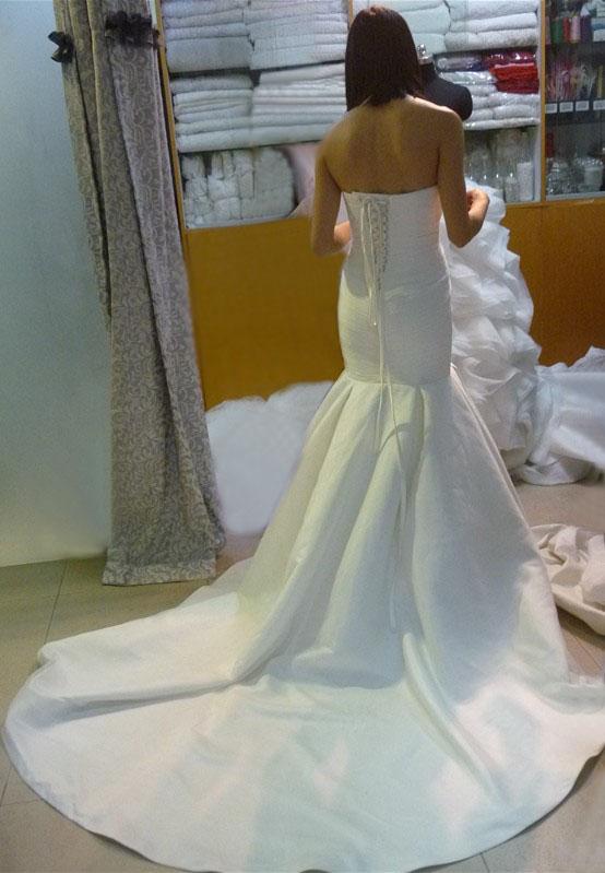 客户嫁衣制作全过程(一)_shiniuni高级婚纱定制礼服