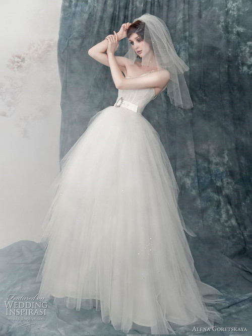 公主蓬裙婚纱礼服
