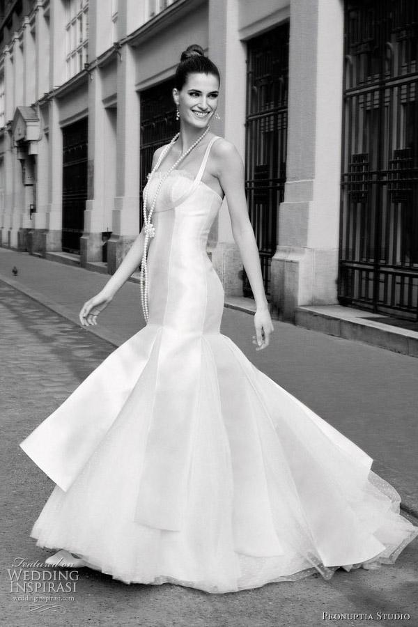 鱼尾裙—婚纱礼服设计定制中的仿生设计  wbr>广州莎丽优丽婚纱礼服
