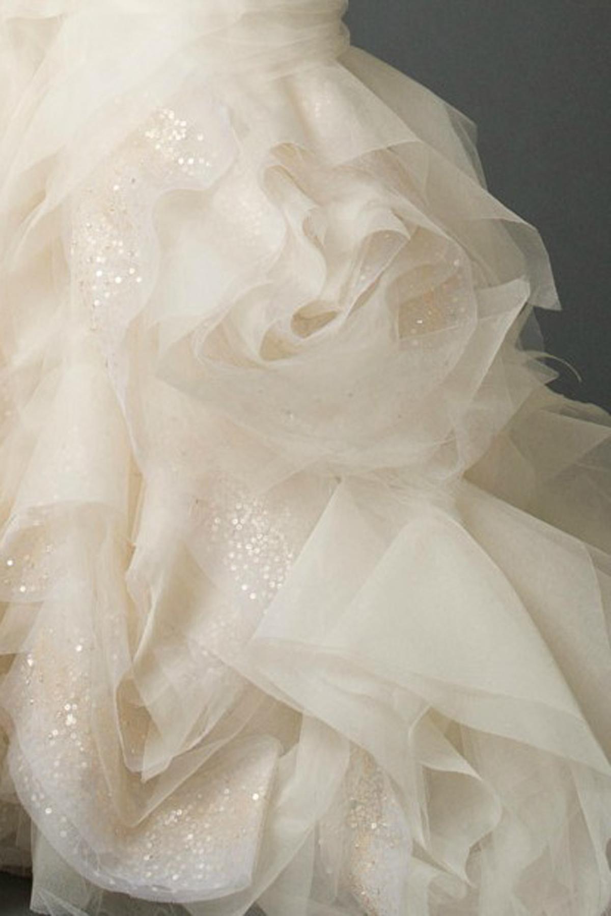 [转载]立体裁剪工艺在婚纱礼服裙摆上的应用 广州莎丽